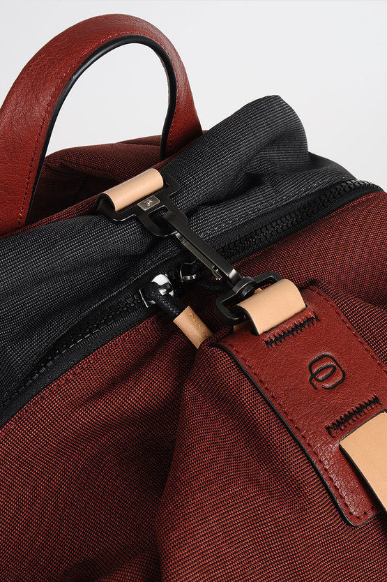 BLADE Backpack for PC iPad®Air/Pro 9.7 Red