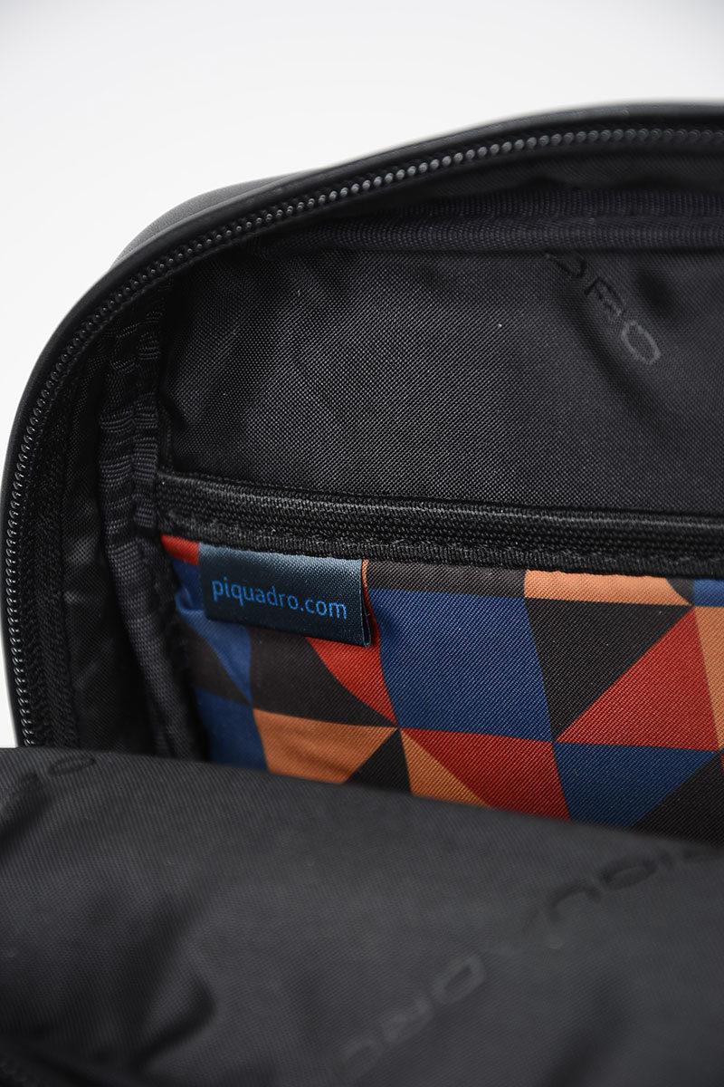 Piquadro USIE Borsello Tracolla in Pelle Ipad   Air e Pro 9.7 Nero ... 4d5cd3f59d5